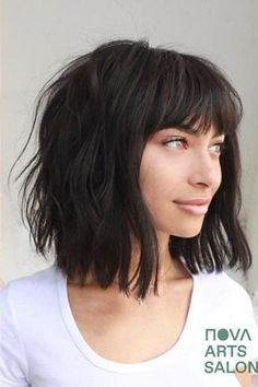 If last year focused on natural texture and no-fuss hairstyles, 2020 is gearing up to be all that and then some. Ringing in a new year calls for fresh starts of all kinds, making it the perfect time for new hair trends to guide us straight to the … Short Hair With Bangs, Short Hair Cuts, Hairstyles For Medium Length Hair With Bangs, Layered Short Hair, Short Wavy, Long Bob With Fringe, Lob Haircut With Bangs, Edgy Bangs, Layered Haircuts