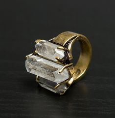 gorgeous...3 crystals ring