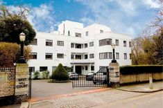 On the market: Two-bedroom apartment in the 1930s art deco West Hill Court, Highgate, London N6 on http://www.wowhaus.co.uk