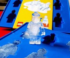 Brick Toy Freezing Trays - The LEGO Man Ice Cubes Make Your Beverages More Playful www.trendhunter.c... Lego Ice Cube Tray, Ice Tray, Chocolate Shapes, Cool Lego, Lego Creations, Cool Gadgets, Ice Cubes, Ice Cube Molds, Lego Men
