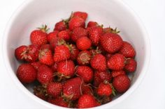 Four Simple Methods for Freezing Strawberries