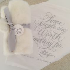 Frozen themed guest favors including Olaf quote bags and warm faux muffs #AngeloAccess