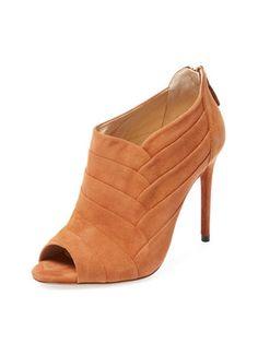 7d88c0b11d8 19 Delightful Feather shoes images