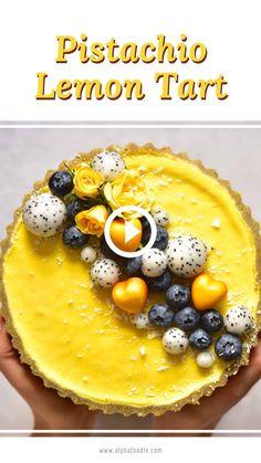 Raw Vegan Desserts, Vegan Dessert Recipes, Tart Recipes, Vegan Sweets, Healthy Sweets, Vegan Foods, Vegan Snacks, Raw Food Recipes, Sweet Recipes