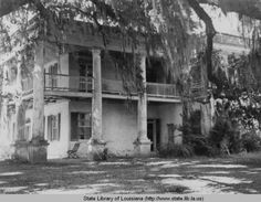 The Cottage plantation home near Baton Rouge Louisiana in the 1930s :: State Library of Louisiana Historic Photograph Collection