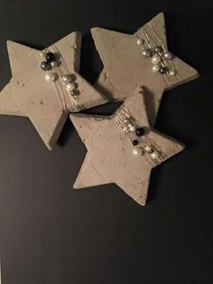 Sterne Sterne Sterne The post Sterne appeared first on Salzteig Rezepte. The post Sterne appeared first on Beton Diy. Clay Christmas Decorations, Christmas Clay, Holiday Crafts, Christmas Ornaments, Concrete Crafts, Clay Ornaments, Clay Creations, Clay Art, Salt Dough