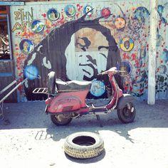 Hast du auch einen LAZY AFTERNOON? Michael Isler kennt das Gefühl und hat es fotografisch perfekt festgehalten. LAZY AFTERNOON, Fotografie auf Papier, 30x30cm, inklusive Rahmen, jetzt für CHF 100.- auf www.pabloart.ch, perfekt für deine leere Wand geeignet. Chf, Lazy, Motorcycle, Vehicles, Paper, Empty Wall, Artworks, Frame, Nice Asses