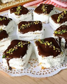 Image may contain: food Meat Recipes, Cake Recipes, Dessert Recipes, Cake Recipe Using Buttermilk, Pasta Cake, Baking Recipes For Kids, Delicious Desserts, Yummy Food, Small Cake