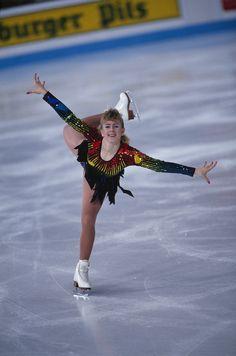 American figure skater Tonya Harding performs at the 1991 World Championships. World Figure Skating Championships, World Championship, Tonya Harding, Sketchbook Inspiration, Kim Kardashian, Skate, Underwear, American, Sexy