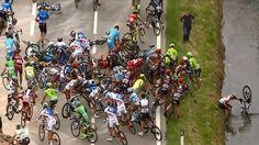 Acidente na 11ª etapa do Giro d'Italia tem até ciclista no rio