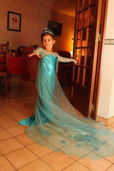 1000 images about reine des neiges on pinterest robes tuto robe and elsa dress - Robe elsa reine des neiges ...