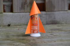 How to make a film canister rocket, cool science experiment for kids. All you need is an old film canister and an effervescent vitamin tablet.