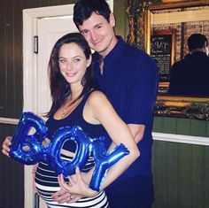 Kaya Scodelario just announced she and her husband Benjamin Walker are excepting a baby BOY! Congrats you two! Hollywood Couples, Celebrity Couples, Hollywood Actresses, Actors & Actresses, Kaya Scodelario Pregnant, The Maze Runner Film, Kaya Rose Humphrey, Benjamin Walker, The Scorch Trials