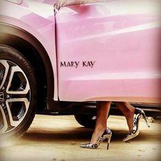 Resultado de imagem para carro rosa mary kay