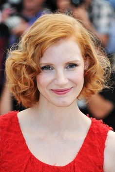 Jessica Chastain wears her bob in a classic curly style.