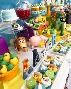 🚀 Thank You Alicia for trusting us with your vision of a Toy Story Table! This awesome… Baby Boy 1st Birthday Party, 2nd Birthday Party Themes, Toy Story Birthday, Birthday Ideas, Toy Story Baby, Toy Story Theme, Toy Story Food, Festa Toy Store, Cumple Toy Story