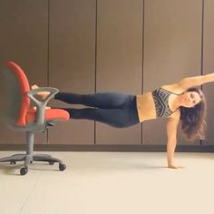 Fun ab workout using a chair  Credits:@tditty2  #gymexercises @gymexercises