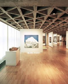 Galeria de Arte\ EUA (New Haven, Connecticut), Louis Kahn\ Yale University Art Gallery. Museum Architecture, Architecture Details, Interior Architecture, Louis Kahn, Space Gallery, Art Gallery, Exhibition Space, Design Museum, Ceiling Design