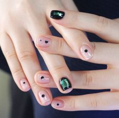 18 Glittery Korean nail arts that even minimalists will love - Be Asia: fashion, beauty, lifestyle & celebrity news