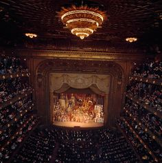 Verdi's opera Aida enthralls a packed house in New York City, July 1964 // by Albert Moldvay