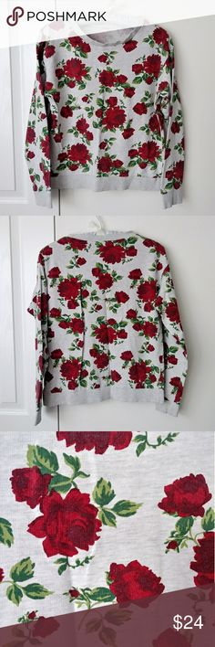Beautiful rose garden crewneck sweatshirt sweater 🌹 Beautiful rose 🌹 crew neck lightweight sweatshirt. Microknit material, thin not fuzzy inside. Its inbetween a shirt and a sweatshirt ☺ gorgeous rose and leaf pattern all over. No tags but I'd say it's best for for a medium or slightly oversized on a small. Feel free to pm me for try ons or measurements 😉 enjoy! 🌹 Sweaters Crew & Scoop Necks