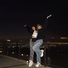 190417 Lisa and Niki Spent Time Together In Griffith! South Korean Girls, Korean Girl Groups, Rapper, Jennie, Talent Management, Blackpink Lisa, Swag Style, Celebs, Celebrities