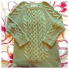 ✨HOST PICK✨NWOT Sage Green Cable Knit Sweater Sage green cable knit 3/4 sleeves sweater with unique intertwining details on front of sweater (same detailing on back and side of arms). It's brand new, never worn and fits true to size. Perfect when paired with skinny jeans for date night or casual girls outing. Forever 21 Sweaters