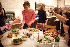 Impromptu dinner party known as spaghettata di mezzanotte  aka A Midnight Spaghetti Party | SAVEUR