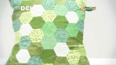 Almohadón con hexágonos (Patchwork inglés) Mandala, Patches, Throw Pillows, Make It Yourself, Quilts, Blanket, Tube, Scrappy Quilts, Patchwork Quilting