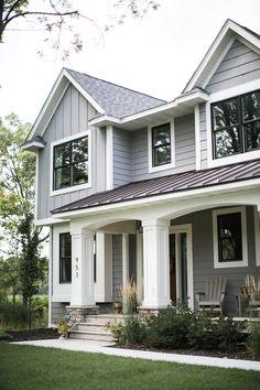Home Renovation Exterior 36 Stunning Victorian Farmhouse Exterior Design Ideas Farmhouse Exterior Colors, Exterior Gray Paint, House Paint Exterior, Exterior House Colors, Exterior Design, Gray Siding, Exterior Siding, Black Windows Exterior, Hardie Board Siding
