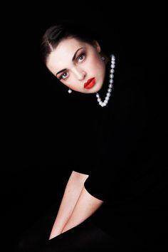 Classic black + pearls + red lip - beautiful