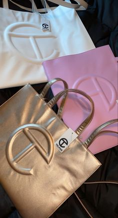 Luxury Purses, Luxury Bags, Luxury Handbags, Purses And Handbags, Cute Purses, Backpack Purse, Cute Bags, My Bags, Handbag Accessories