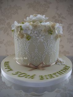 Flowers & stencil cake