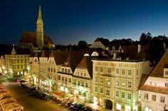 galerie_steyr_sommer01 Steyr, Das Hotel, Salzburg, Restaurant Bar, Austria, Mansions, House Styles, City, Vacation