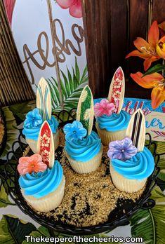 new birthday party themes hawaiian luau Aloha Party, Hawai Party, Hawaii Birthday Party, Luau Theme Party, Hawaiian Luau Party, 18th Birthday Party, Birthday Party Themes, Hawaiin Theme Party, Hawaiin Party Ideas