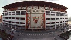 Era un estadio de fútbol en España y los jugadores mejores jugaron allí para  entrenar para el