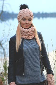 Handknitted Merino wool mittens, tube scarf and winter hat #Zizterz #KnitZizterz #Knitted #Snood #Knitwear #Handmade #Pink