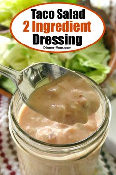 Healthy Taco Salad Dressing with 2 Ingredients! This Healthy Taco Salad Dressing with yogurt is almost too good to be true. It's low in carbs, high in protein and has just 2 simple ingredients! Spinach Salad Recipes, Asparagus Recipe, Healthy Salad Recipes, Ww Recipes, Recipies, Broccoli Salad, Recipes With Cool Whip, Taco Salat, Keto Taco Salad