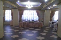 #prestige #events #salon #evenimente Salons, Chandelier, Events, Ceiling Lights, Curtains, Lighting, Home Decor, Lounges, Candelabra