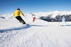 Pulverschneee Südtirol Ratschings Skifahren in einem super Skigebiet in den Alpen. Schneespass und Fun für alle Urlauber.