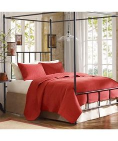 Tyoga River summery red coverlet set -Home Design Ideas (photo)