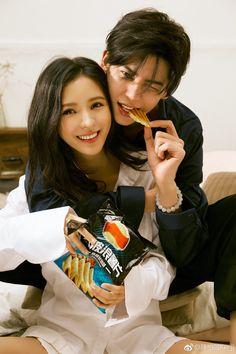zhang yuxi and kenji chen Pre Wedding Poses, Pre Wedding Photoshoot, Anime Couples, Cute Couples, Korean Couple Photoshoot, Ulzzang Couple, Foto Instagram, Korean Fashion Trends, Fashion Couple