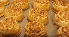 Bombastické pečivo z kyslej smotany: Stačí len naplniť, zabaliť a máte úžasný dezert na celý týždeň! Muffin, Breakfast, Food, Basket, Morning Coffee, Essen, Muffins, Meals, Cupcakes