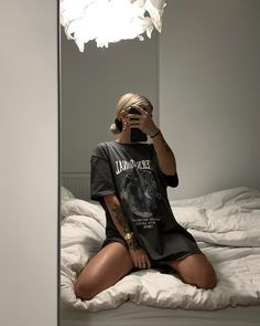 Likes, 135 Comments - Kim Duong High Street Fashion, Street Style, Look Fashion, Fashion Outfits, Skater Girl Outfits, Model Poses Photography, Loungewear Set, College Outfits, Cute Casual Outfits