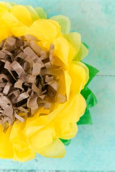 Celebrate summer with these tissue paper sunflowers! See how to make them and learn how to upload your own projects to the new JOANN app! Tissue Paper Flowers Easy, Tissue Paper Crafts, Paper Flowers Wedding, Paper Flower Tutorial, Giant Paper Flowers, Wedding Paper, Diy Flowers, Paper Trees, Origami Flowers