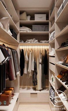 Comfortable and Suitable Wardrobe Design for Big & Small Bedroom Walk In Closet Design, Bedroom Closet Design, Master Bedroom Closet, Closet Designs, Small Closets, Dream Closets, Bedroom Wardrobe, Wardrobe Closet, Closets Pequenos