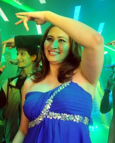 Jwala Gutta Item Song Photo Gallery 2 586x727 Why Jwala Gutta rejected Rs 1.5 crore offer?