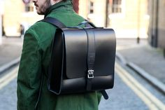 Parka London & The Leather Satchel Company Join to Create 2 Classic Bags (Selectism) London Bags, Leather Men, Leather Bags, Leather Backpacks, Uk Brands, Leather Design, Canvas Leather, Leather Satchel, Travel Bags