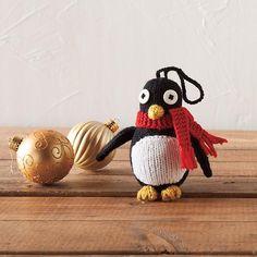 Free knitting pattern – Penguin Ornament