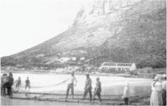 Trek Fishing on Fish Hoek Beach 1910 South African News, Old Buildings, African History, Camps, Homeland, Cape Town, Old Photos, Trek, Past